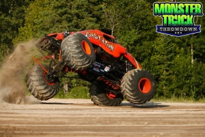 Crushstation-Monster-Truck-Throwdown-2015-002