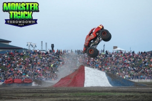 Crushstation-Monster-Truck-Throwdown-2015-009