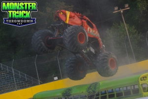 Crushstation-Monster-Truck-Throwdown-2015-019
