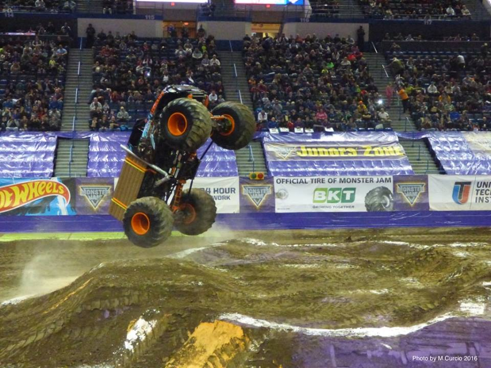 lumberjack-hartford-monster-jam-2016